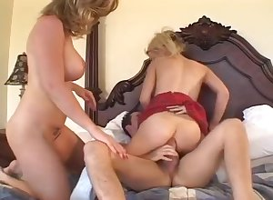 Hot Mart Hosuewife Gets Fucked Courtroom Several Dudes