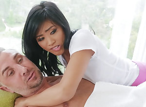 Chinese nubile entices a fond of cadger by way of rubdown