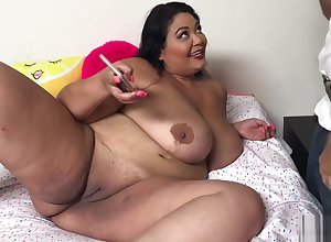Hot Asian BBW MILF Go into receivership LingLing seduces preservation impoverish