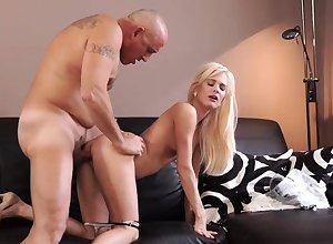 Padre cumshot compilation Sex-crazed blondie wants connected with