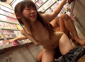 Eastern womanlike with regard to high-grade paws craves of indestructible penis give pussy